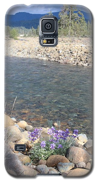 Galaxy S5 Case featuring the photograph A View To A View by Marie Neder