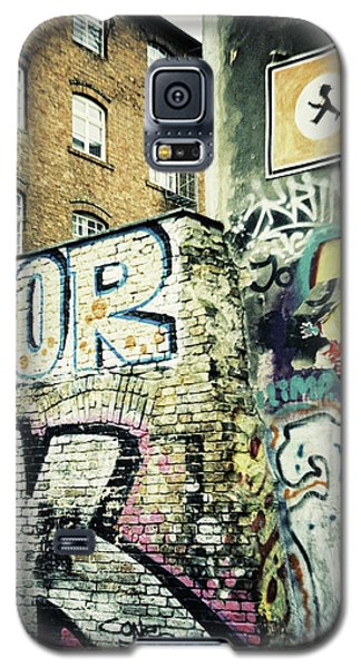 A Wall Of Berlin With Graffiti Galaxy S5 Case