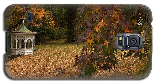 Galaxy S5 Case featuring the photograph A Washington Crossing Autumn by Elsa Marie Santoro