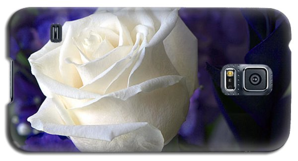 A White Rose Galaxy S5 Case
