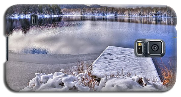 Galaxy S5 Case featuring the photograph A Winter Day On West Lake by David Patterson