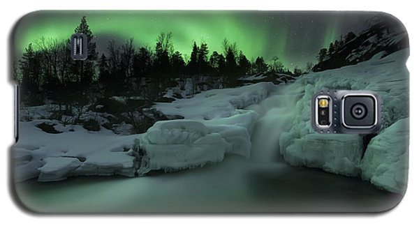 A Wintery Waterfall And Aurora Borealis Galaxy S5 Case