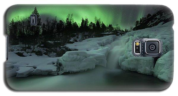 A Wintery Waterfall And Aurora Borealis Galaxy S5 Case
