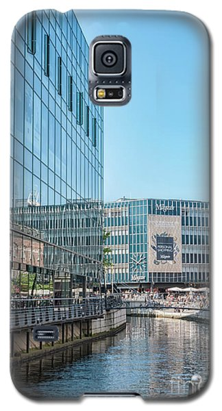 Galaxy S5 Case featuring the photograph Aarhus Lunchtime Canal Scene by Antony McAulay
