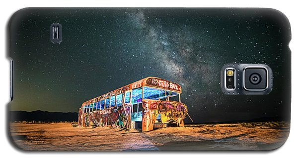 Abandoned Bus Under The Milky Way Galaxy S5 Case
