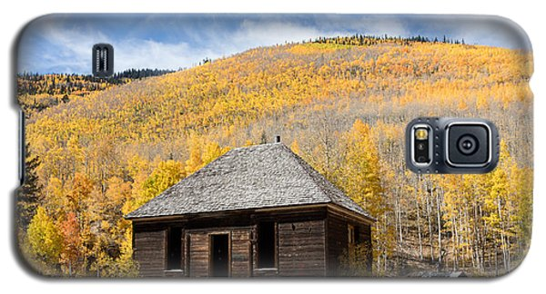 Galaxy S5 Case featuring the photograph Abandoned Cabin Near The Old Mining Town Of Ironton by Carol M Highsmith