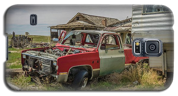 Abandoned Car And Trailer In The Ghost Town Of Cisco, Utah Galaxy S5 Case