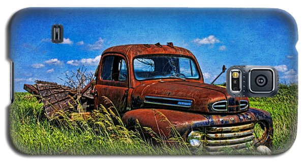 Abandoned Ford Truck In The Prairie Galaxy S5 Case