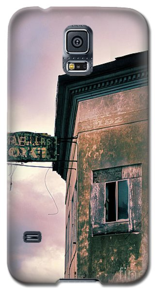Galaxy S5 Case featuring the photograph Abandoned Hotel by Jill Battaglia