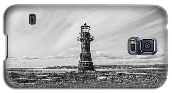 Galaxy S5 Case featuring the photograph Abandoned Light House Whiteford by Edward Fielding