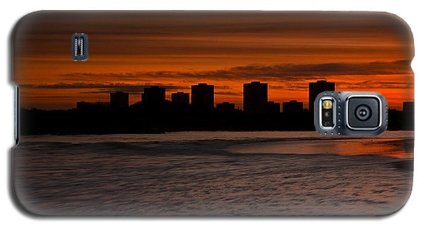 Galaxy S5 Case featuring the photograph Aberdeen By Sunset by Gabor Pozsgai