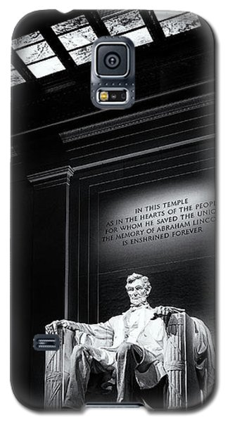 Galaxy S5 Case featuring the photograph Abraham Lincoln Seated by Andrew Soundarajan