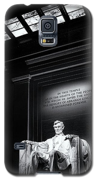 Abraham Lincoln Seated Galaxy S5 Case by Andrew Soundarajan