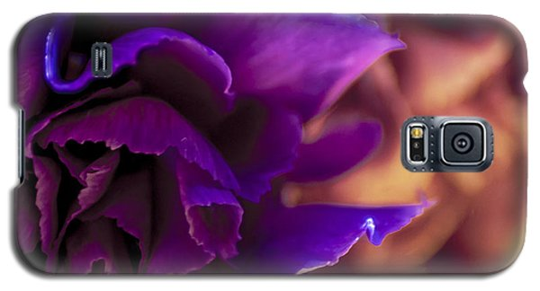 Abstracting The Flowers Galaxy S5 Case