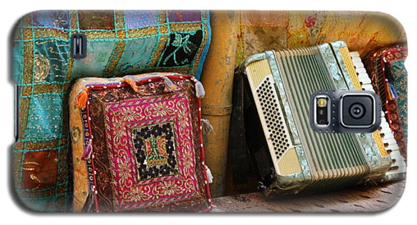 Accordion  With Colorful Pillows Galaxy S5 Case by Yoel Koskas