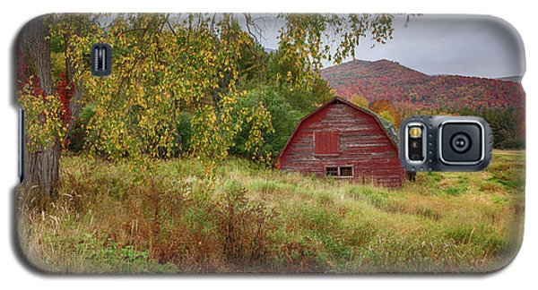 Adirondack Barn In Autumn Galaxy S5 Case