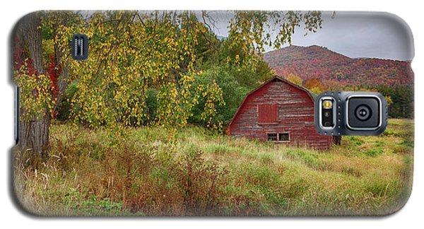 Adirondack Barn In Autumn Galaxy S5 Case