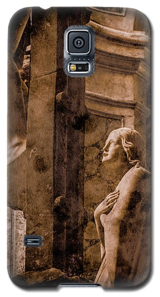 Galaxy S5 Case featuring the photograph Paris, France - Adoring Angel by Mark Forte