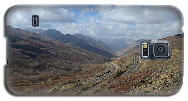 Aerial Shot Of Mountainous Karakoram Highway Babusar Pass Pakistan Galaxy S5 Case