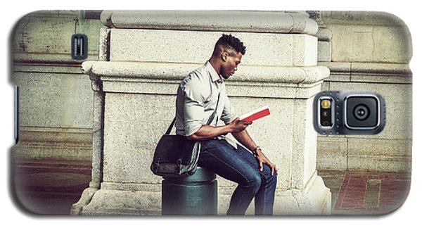 African American College Student Studying In New York Galaxy S5 Case