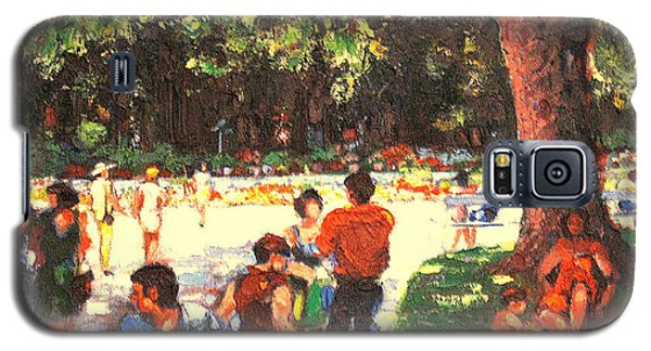 Galaxy S5 Case featuring the painting Afternoon In The Park by Walter Casaravilla