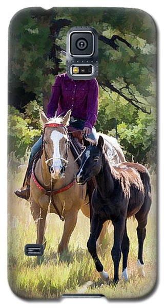 Afternoon Ride In The Sun - Cowgirl Riding Palomino Horse With Foal Galaxy S5 Case
