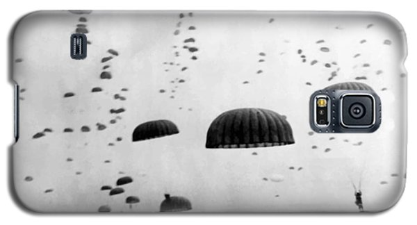 Airborne Mission During Ww2  Galaxy S5 Case by War Is Hell Store