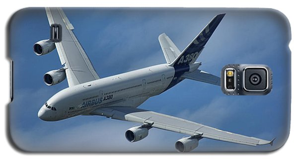 Galaxy S5 Case featuring the photograph Airbus A380 by Tim Beach