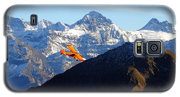 Airplane In Front Of The Alps Galaxy S5 Case by Ernst Dittmar