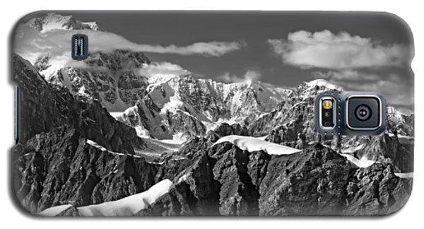 Alaska Mountain Range Black And White Galaxy S5 Case
