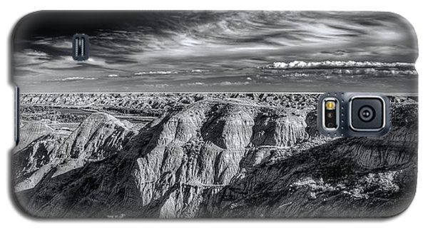 Galaxy S5 Case featuring the photograph Alberta Badlands by Wayne Sherriff