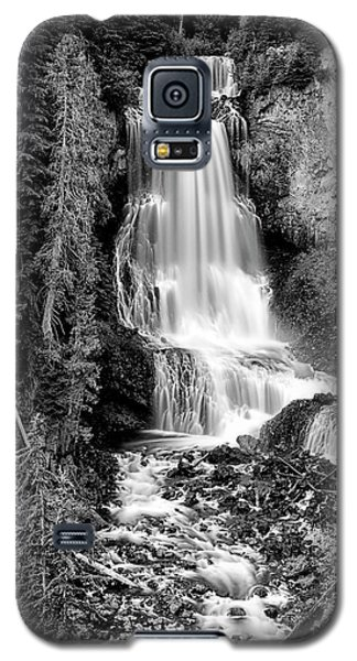 Galaxy S5 Case featuring the photograph Alexander Falls - Bw 1 by Stephen Stookey