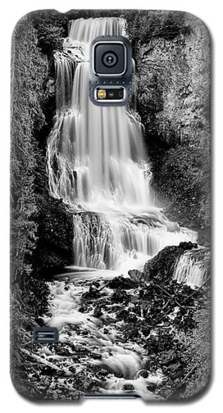 Galaxy S5 Case featuring the photograph Alexander Falls - Bw 2 by Stephen Stookey
