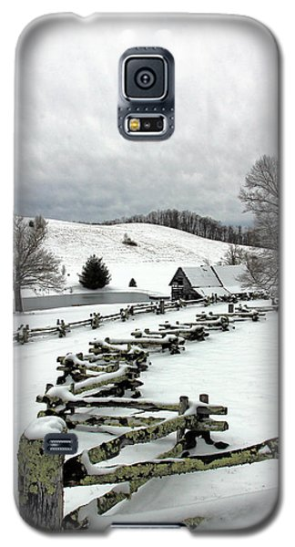 Along The Locust Rails In Winter Galaxy S5 Case