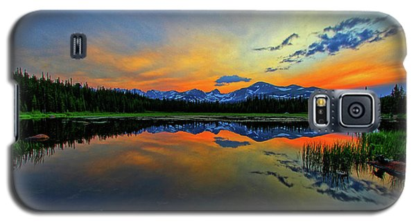 Galaxy S5 Case featuring the photograph Alpine Lake Glow by Scott Mahon