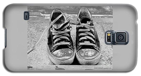 Old Sneakers. Galaxy S5 Case by Don Pedro De Gracia