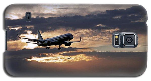 American Aircraft Landing At The Twilight. Miami. Fl. Usa Galaxy S5 Case by Juan Carlos Ferro Duque