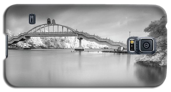 Galaxy S5 Case featuring the photograph Amritasetu by Sonny Marcyan