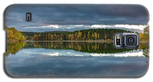 An Autumn Evening At The Lake Galaxy S5 Case