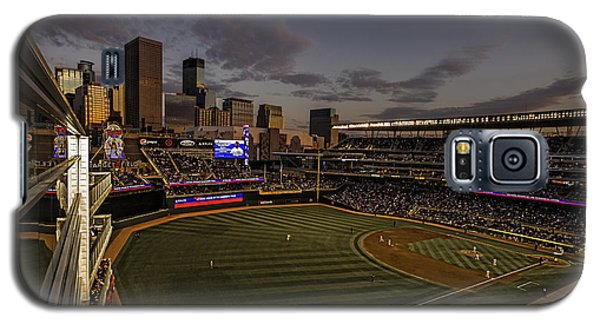 Galaxy S5 Case featuring the photograph An Evening At Target Field by Tom Gort