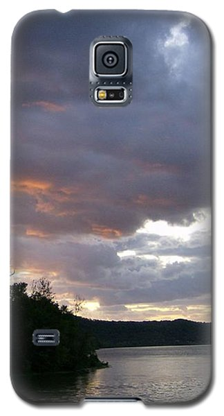 An Ohio River Valley Sunrise Galaxy S5 Case by Skyler Tipton