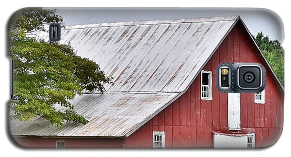 An Old Red Barn Galaxy S5 Case