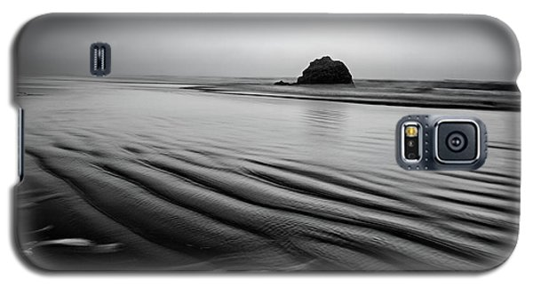 Galaxy S5 Case featuring the photograph An Oregon Morning by Jon Glaser