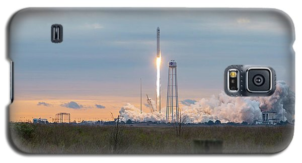 Antares Launch From Wallops Island Galaxy S5 Case