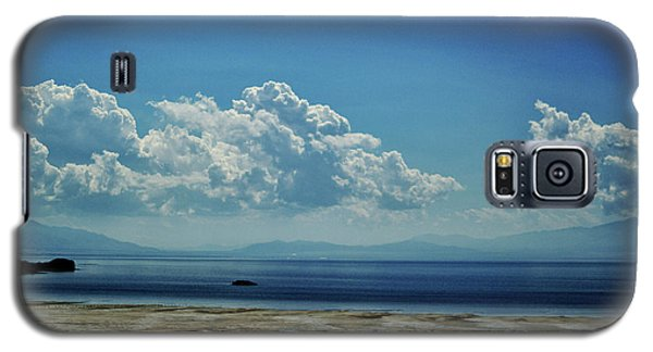 Galaxy S5 Case featuring the photograph Antelope Island, Utah by Cynthia Powell