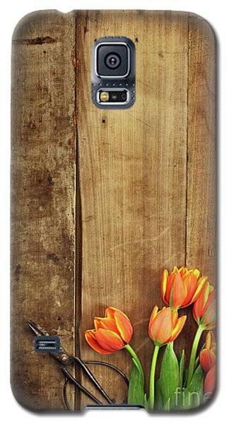 Galaxy S5 Case featuring the photograph Antique Scissors And Tulips by Stephanie Frey