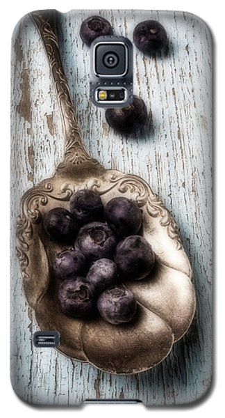 Antique Spoon And Buleberries Galaxy S5 Case by Garry Gay