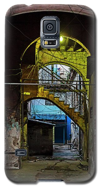 Galaxy S5 Case featuring the photograph Apartment Enrance Havana Cuba Near Calle C by Charles Harden