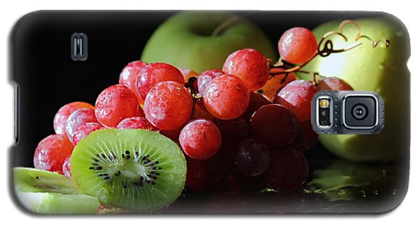 Apples, Grapes And Kiwi  Galaxy S5 Case