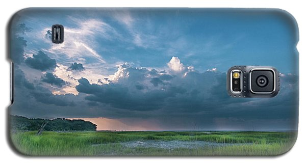 Galaxy S5 Case featuring the photograph Approaching Storm by Phyllis Peterson